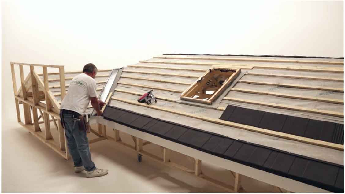 Fixing / Installing Lightweight Roofing: Valley with
